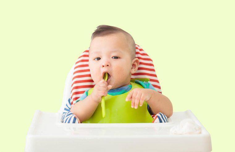 5 Cara Melatih Anak Mandiri Sejak Bayi